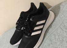 حذاء اديداس جديد سبب البيع مقاس غير مناسب