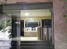 شقة للبيع بمساحة 142 م2 بجوار مستشفى المدينة بسموحة .