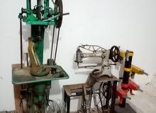 مكينات لخياطة الأحذية والجلد