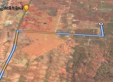 ارض سكنيه في تنسلوخ واصل ضيء 400م مخطط بدل حتى  بسياره