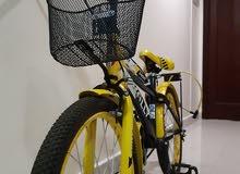 دراجة جديدة لم يتم استعاملها الا مرات قليلة لعمر(7-10) سنين