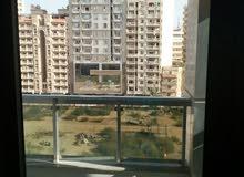 شقة قانون جديد في سموحة شارع فوزي معاذ بجوار محمد كرايم