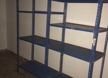 سكفاريات بلاستك وستندات وطاولة مكتب وديكور محل