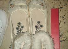 أحذية و كوتشيهات و صنادل للأطفال و الكبار