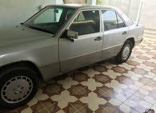 مرسيدس دب موديل 1990 للبيع  كير ومحرك بطه رقم بغداد ألماني بأسمي السعر البيع 70 ورقه وبيه مجال