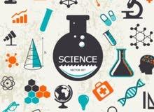 معلم مصري يعطي دروس في مواد الفيزياء والكيمياء والعلوم