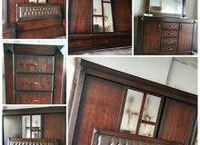 غرفة نوم تفصيل مش تجاري خشبها خشب لاتيه ملبس بلوط وزان