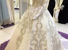 فستان عروس جديد لم يستخدم إلا 4 ساعات فقط