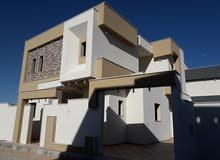 يوجد منزل دورين بالقرب من مسجد الكحيلي ف عين زارة