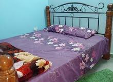 سرير كبير يكفي 3 اشخاص