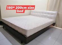 for sale king size bed. new condition