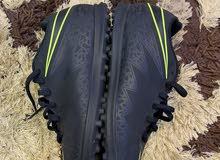 حذاء رياضي للملاعب المزروع والانجيله ماركة نايك