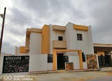 منزل من دورين للبيع في عين زارة قرب جامع القرقنى