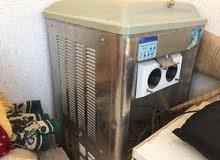 ماكينة مثلجات