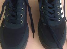 حذاء رجالي ممتاز الشكل ازرق غامق
