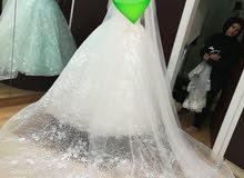 فيتان زفاف ابيض