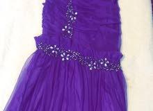 فستان استخدام واحد فقط