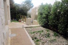 الرابية شقة ارضية مفروشة مع حديقة للإيجار