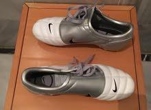 حذاء كرة قدم نايك اصلي بحالة جديدة - 45