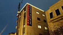 شقة استثمارية فاخرة 10 الاف دفعة وأقساط لمدة 4 سنوات قرب إشارة دير غبار عبدون