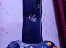 إكس بوكس 360 (للبيع) نظيف جدآ وياه 20 لعبه هم وياه شاحن لليده  أقره الوصف