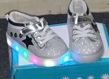 جدييد لطفلكِ  حذاء ولادي مع اضائة LED