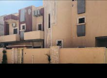السلام عليكم فيلا للبيع مكان طرابلس السراج شارع الاسلاك