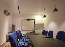 توفير قاعة مجهزة ومريحة لكافة الأنشطة التدريبية