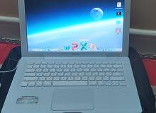 Apple Macbook Core 2 duo (13 inch, white)
