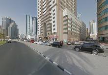 مطلوب شاب للمشاركة في شقة جديدة فاخـرة (الخان - الشارقة) برج الواحة - أماكن متوفرة