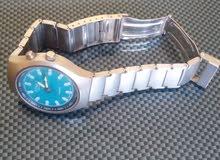 ساعة  اصلية وجميلة جدا للبيع أو البدل