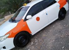 للبيع كرلا 2010 نظيف جدا رقم 3 تكسي للبيع مع رقم 2000 قابل