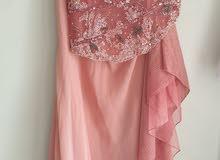 فستان الاناقة  جديد لبس مرة واحدة فقط