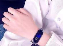 ساعة اليد الكترونية فاخرة لنساء (هدية)