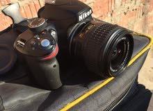 كاميرا نيكون دى 3200 حاله ممتازه لسه جديده بالضمان واللينس والشنطه