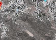 للبيع ارض في مطرح قريب من بيت الزبير وقريب الامانة العامة لمجلس الوزراء بسعر 45