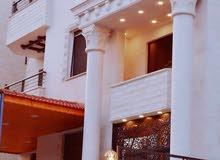 شقة للبيع في منطقة_ الزرقاء الجديدة_ تشطيبات سوبر ديلوكس ( مساحة 130 متر )