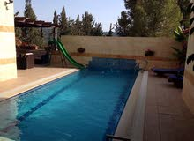 Villas in Salt and consists of: 5 Rooms and 4 Bathrooms is available for sale