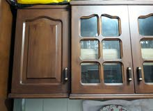 قطعتين مطبخ المعلقة 4 درف و الاخري 4 درف و درجين