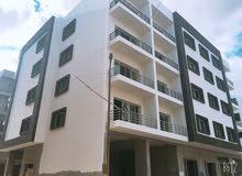 للبيع شقة مساحة 157م بالغردقة ثاني نمرة من شارع النصر بعمارة جديدة