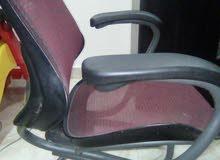 كرسى مكتب من المعدن يتحمل اى وزن ومريح جدا للضهر