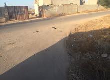 قطعة أرض في شارع البعباع القوراشة بالقرب المسجد علي الرئيسي