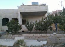 منزل 4 واجهات حجر للبيع. /السلط  سوادة الجنوبي قرب مدرسة سليمان النابلسي
