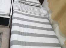 سرير فردي كبير