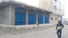 محلات للايجار 4 فتحات ، المنصورة خلف الكريمي حق المنصورة قريب من خط التسعين