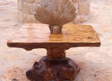 طاولة جزع شجرة من اروع الجمال منحوتة نادرة