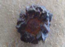 حجر طبيعي نادر