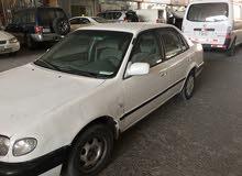 White Toyota Corolla 2000 for sale