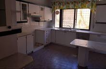 شقة فارغة للايجار دابوق 180م 3نوم 3حمام صالون معيشة 4200د
