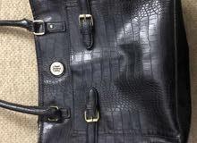 Tommy Hilfiger اصلية for sale black leather سعر قابل للنقاش
